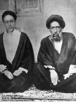 شهید آیت الله سید حسن مدرس در کنار فرزندش سید عبدالباقی مدرسی/ شهید آیت الله سید حسن مدرس، از نمادهای همگامی دین و سیاست و دینی کردن برخی نمادهای عرفی از جمله پارلمانتاریسم در ایران معاصر به شمار میرود. او در عرصه های گوناگون علم و عمل، واجد کمالات و امتیازاتی بزرگ بود، که بسیاری از دشمنان وی نیز بدان اذعان کرده اند.او در 10 آذر ماه 1316 در تبعید گاه خواف و به دستور رضاخان به شهادت رسید. مزار او ــ همانگونه که خویش پیش بینی کرده بود ــ زیارتگاه مردم در شهر کاشمر به شمار میرود.
