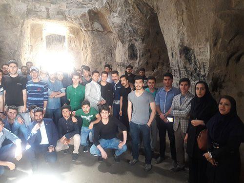 اردوی علمی دانشجویان گروه معماری دانشگاه آزاد اسلامی واحد بوکان سه شنبه 7 اردیبهشت ماه 95 - برداران