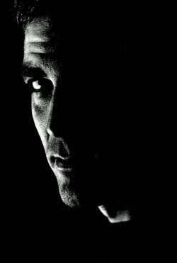 زندگی در اعماق عادت ها هیچ فرقی با مرگ ندارد... تو مرده ای، فقط معنای مرگ را نمی دانی!!!