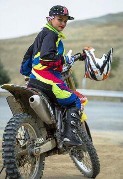 بهـناز شفیعی؛ دختر موتورسـوار مشـهور