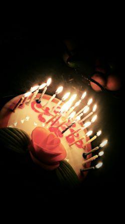 ای علیِ دومِ عشق، حیدرِ کربُبلایی...  میلادش مبارک (^_^)   پ.ن. کیک تولد دیروز :))