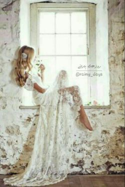 چقدرخوب است لحظه هایی که همه چیز خوب است همین لحظه هایی که من پنجره را باز میکنم،،، از تونفس میکشم  و نمیدانی  با دیوانه ات چه کرده ای...؟؟
