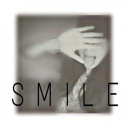 میگفتی عاشق خنده هامی...بیا ببین چقدر قشنگـ میخنـدم...بیا عشـق من...بیا...=)