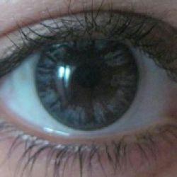 این رنگ واقعی چشم خودمه