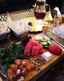 رستوران مغرب برای سعید معروفه از سحری تا افطار پذیرای شماست کاشکی میشد رف هییی