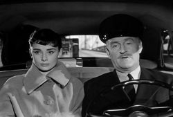 "پدر: خوشحالم که ""دیوید"" رو فراموش کردی ... سابرینا: آره، فراموش کردم... اما با یه عشق دیگه... حالا این عشقُ چطوری فراموش کنم ؟!... Sabrina- Billy Wilder"