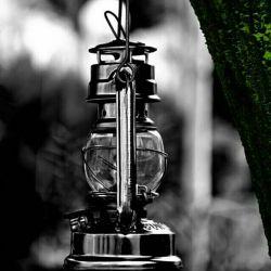کاش میشد زندگی رو اون طور که دلت میخواست مث یه چراغ خاموش ، روشن کرد ، موقع خوبی ها روشن و موقع بدی ها خاموش ...heh
