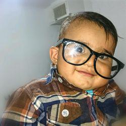ایشون پسر دایی منن  خیلی زیباهستن ،،مگه نه ؟؟؟؟