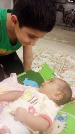 گفتگوی مسالمت آمیز برادر بزرگتر با خواهر کوچیکش.محمدمهدی-نازنین زهرا =عشقهای بابا