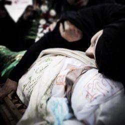 """مادرم اینگـونه مرا در آغـوش مگیـر ،  """" ح س ی ن""""  مـــادر ندارد . . السلام علیک یا ابا عبدالله الحسین(ع) السلام علیک حضرت زهرا(س)"""