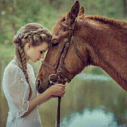 هنرآن نیست که انسان هزاران دوست داشته باشد.  هنرآن است که انسان یک دوست داشته باشدکه درهزاران دوست تک باشد.!!!