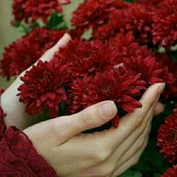 -   کسی که نمی تواند عشق بورزد:  باهوش هم نمی تواند باشد،  با وقار هم نمی تواند باشد،  زیبا هم نمی تواند باشد.  زندگی چنین کسی،تراژدی است.