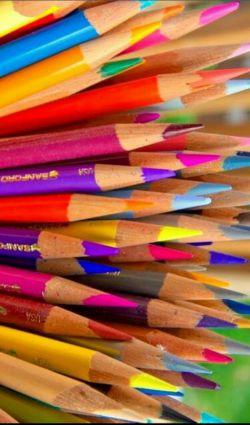 ما انسان ها  مثل مداد رنگی هستیم شاید رنگ مورد علاقه ی یکدیگرنباشیم !  اما روزی برای کامل کردن نقاشی هایمان دنبال هم خواهیم گشت !  به شرطی که   همدیگر را تا حد نابودی نتراشیم  سلام دوستان #لنزوری مدتی نبودم #دوستانی که ادد کردن بنده رو واددنشدن لطفا لایک کنن تا من اددشون کنم☺