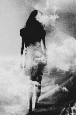 """اهل شعرم... اهل تنهایی و درد...  پیشه ام فریاد است!! کاسبم... کاسب دل...  صادراتم شادی... وارداتم غم ودرد...  گله از اهل تماشا دارم... گله از این همه حاشا دارم...  خنده ام می گیرد!!! من خودم اهل تماشا هستم...  گاه گاهی دلی میسازم، میفروشم به شما...  تا به آواز صداقت که در آن زندانیست دل بی مهر شما تازه شود... چه خیالی... چه خیالی...  خوب میدانم دلتان بی مهر است...  """"سهراب سپهری """""""