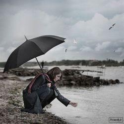 جا گذاشتی . . . !   رد خاطراتت را جا گذاشتی   مال ناراضی از گلوی ما پایین نمیرود   بیا برش دار . . .