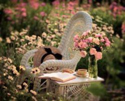دلتنگـی ؛ پیچیــده نیســت...   یک دل..   یک آسمان..   یــک بغــض   و آرزوهــای تـَـرک خـورده !   به همین ســادگـی ...!.