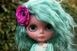 دخترک آبی