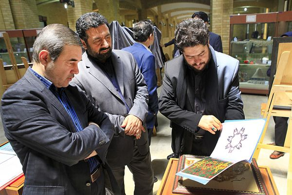 افتتاح نمایشگاه آثار سوخته نگاری چوب با حضور معاون صنایع دستی تاریخ 05 تیر 1395
