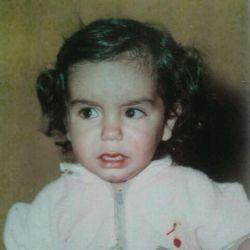 خودم بچگیام.خدایی خوشکل بودم