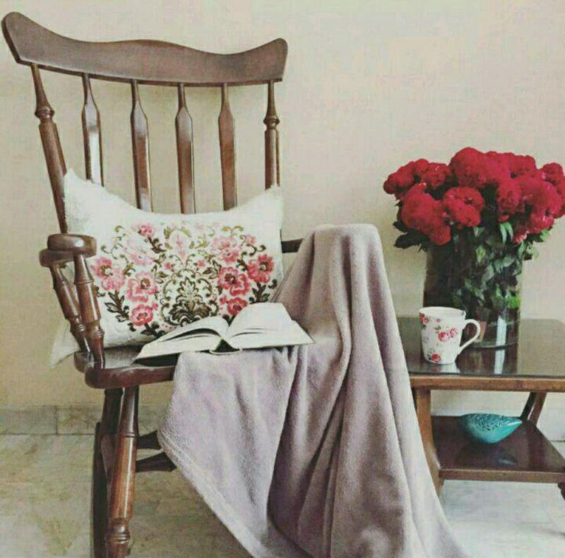 ای در دلم نشسته از تو کجا گریزم