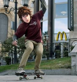 hiccup_skaitboarder