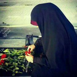 تو همانی که دلم لک زده لبخندش را،  او که هرگز نتوان یافت همانندش را...  :(