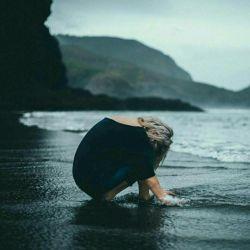 ●مَـــــن●  هَـــــمـــــون⇦ دیـــــوونــــہایَــــم ⇨ کِـــــه ✖هِـــــق هِـــــق✖  هَـــــمَـــــه رو بـــــا جـــــوندل گـــــوش داد وَلـــــی خـــــودِش بُـــــغضِـــشـــــو زیـــــر بـــــالـــــشـــــت✔gh〇rt✔ داد…