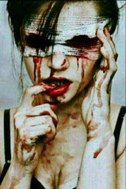 سیگار بکش ؛ مست کن؛ بغض کن ؛ گریه کن ؛ دق کن ! ولی … با آدم بی ارزش درد و دل نکن …  ^_^