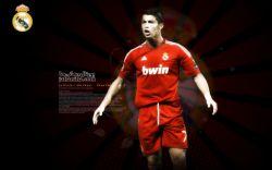 رونالدو با پیراهن قرمز رئال مادرید
