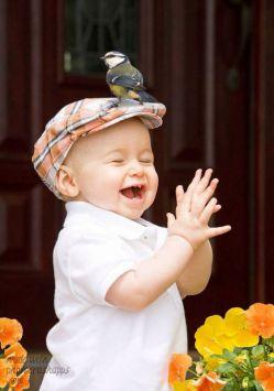 خوش به حال دنیای بچه ها ،هر چیز کوچکی بهانه شاد بودنشونه