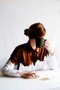 دو فنجان قهوه سفارش می دهم.. و بی محابا دست هاے  تو را می گیرم             راحت باش ! هیچکس ما را نخواهد دید   اینجا        ...کافه خیال مــن است...