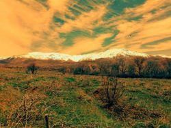 یه تیکه از بهشت در همدان تویسرکان کوه الوند روبروتونه. خودم کیف میکنم