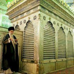 نماز مقام معظم رهبری در حرم امام رضا(ع)