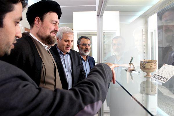 بازدید سیدحسن خمینی از موزه ملی ایران - 18 مرداد 1395