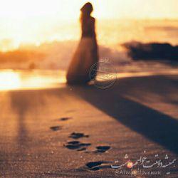 فكر می كردم آدم ها همان طور كه آمده اند، می روند. نمی دانستم كه نمی روند..... می مانند. .....ردشان می ماند حتی اگر همه چیزشان را هم با خودشان بردارند و بروند...... #همیشه_دوستت_خواهم_داشت