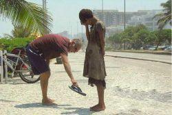 شاید اگر #انسانیت هم #مارک دار بود.  خیلی از #انسان ها به #تن میکردند!!