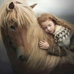 زندگی یک پاداش است نه یک مکافات...فرصتی است  کوتاه...  تا ببالی ...  بدانی...  بیندیشی...  بفهمی...    و  زیبا بنگری...  در نهایت در خاطره ها بمانی.