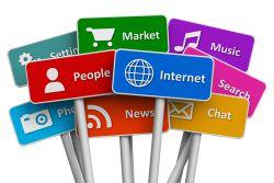 """#بازاریابی_اینترنتی یا #اینترنت_مارکتینگ ، روش بازاریابی خدمات و محصولات از طریق اینترنت می باشد ، در واقع این نوع بازاریابی به شما کمک خواهد کرد تا با استفاده از استراتژی های موجود ترافیک وب سایت و تعداد مشتریان بالقوه خود را افزایش دهید .""""لیزارد وب"""" با داشتن تیم متخصّص و اجرای پروژه های متعدّد موفق در این زمینه ، آماده ارائه مشاوره و اجرای كمپین های تبلیغاتی و بازاریابی می باشد ."""