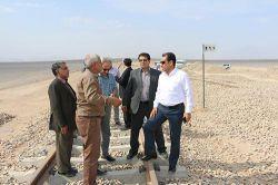 بازدید جمعی از مدیران ارشد راه آهن از بندرخشک پیشگامان  جمعی از مدیران ارشد راه آهن کشور و استان یزد از بندرخشک پیشگامان در استان یزد بازدید و از نزدیک با روند پروژه آشنا شدند.