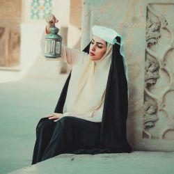 صنما بیار باده بنشان خمار مستان که ببرد عشق رویت همگی قرار مستان  قدحی به دست برنه به کف شکرلبان ده بنشان به آب رحمت به کرم غبار مستان// مولانا