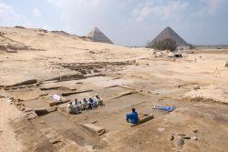 4 - شهر هرم جیزه ( Pyramid town at Giza ) :  ادامه مطلب در وب سایت پرشن ایکسترا http://persianxtra.ir/?p=648