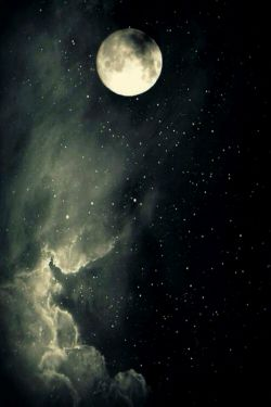 شبِ من، زلفِ سیاهت...  سحرم، رویِ چو ماهت...!  #مولانا