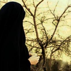 نمیدانم در دلت چه میگذرد ولی احسنت که با حجابت نه دل شهیدی را شکاندی نه دل جوانی را لرزاندی