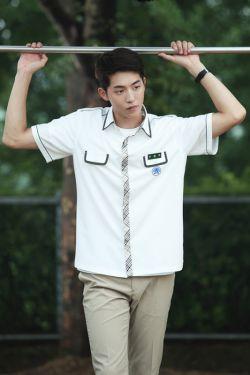 سیزدهمین شاهزاده بک آه چقد نازههههههههههههههههه اسم اصلیش kim joohyuk هه وای من خیلی میدوستمش