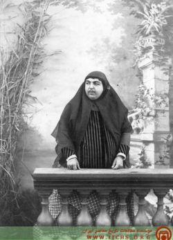 مرحوم عصمتالدوله دختر بزرگ ناصرالدین شاه زن مرحوم دوستمحمد خان معیرالممالک کلی هم هوا خواه داشته