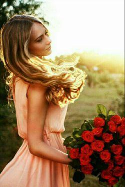عطر موهایت    قرار از شهر مے گیرد بگو دل ربودن را ڪدام عطار یادت داده است.......؟