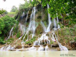 آبشار بیشه در فصل بهار