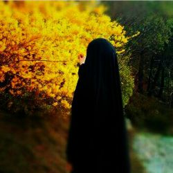 #زیبایی چادر مشکی ام را ترجیح میدهم به همه برندهای دنیا،کدام برند و اسمی با اعتبارتر است از نام مادرمان حضرت زهرا (س)