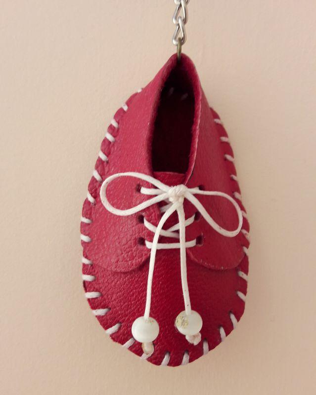 کفش کوچولوی جا سویچی- چرم طبیعی دست دوز     ۱۰،۰۰۰ت
