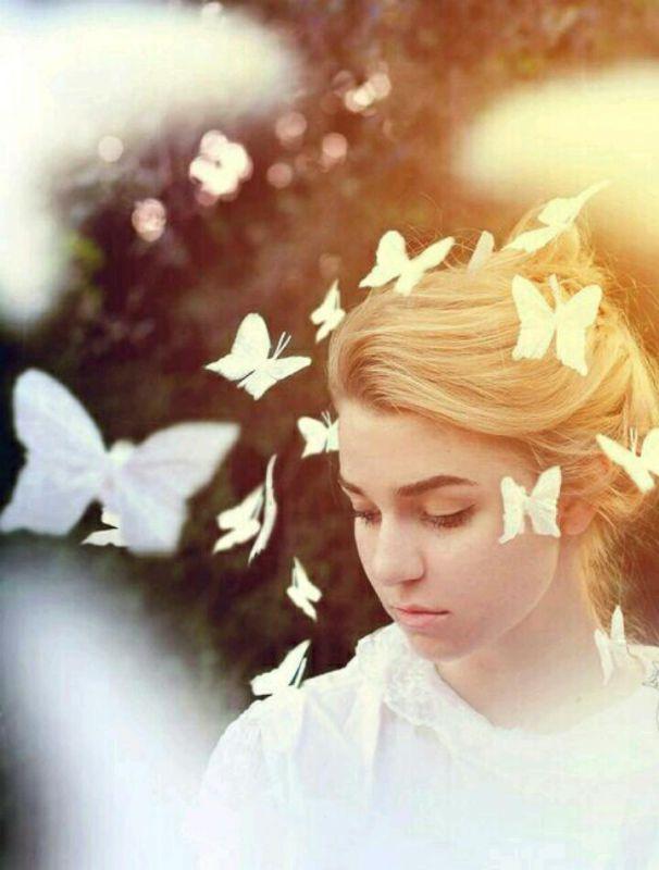 می خواهم ذره ذره داشته باشمت اما برای همیشه همین قدر که سایه ات  بر تنهایی ام باشد کافیست خورشید نمی خواهم... تنها تو را می خواهم... ❤@shahbano  ❤